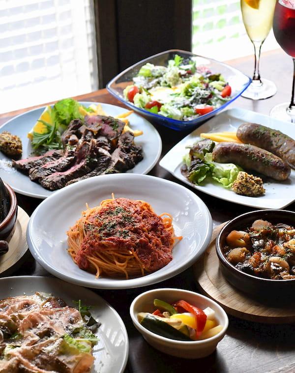 ディナーではパスタ、ピザ、お肉料理など、本格イタリアンが楽しめます。